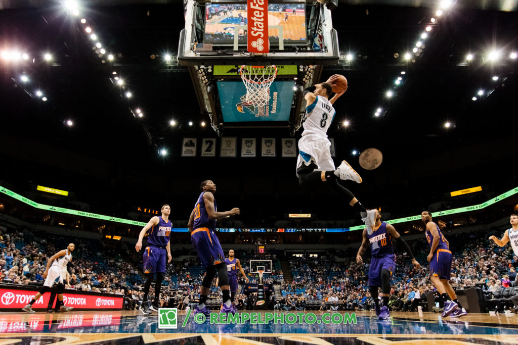 Minnesota Timberwolves guard Zach LaVine (8)